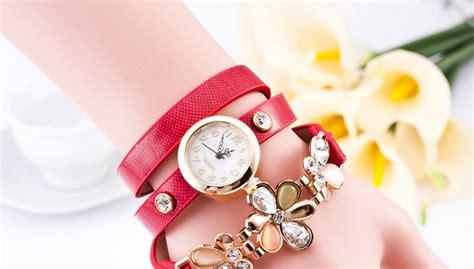 Jam Tangan Quartz Fashion Leather fashion stylis three leather flower quartz