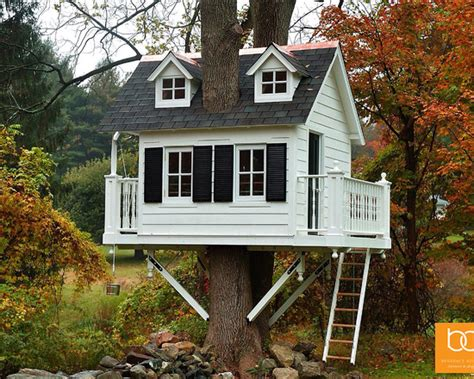 20 out of this world tree houses