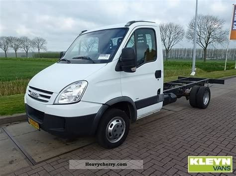 Home 1 5 Kg Cat By F J Pet Shop iveco daily 40 c12 2007 chassis truck photo and specs