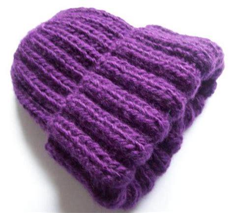 gorro acanalado tejido en dos agujas o palitos en 4 tallas una forma diferente de tejer gorros tejidos en dos agujas para mujer