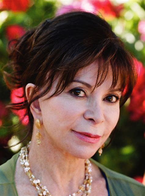 themes in the stories of eva luna isabel allende