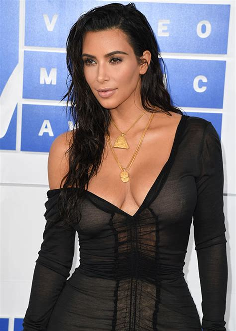kim k hairdryer how kim kardashian kept her wet look hair at the vmas