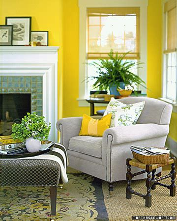 Yellow Walls Living Room by Living Room Yellow Walls Simple Home Decoration