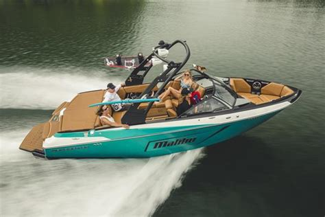 malibu boats models malibu introduces new 2019 22 lsv model boating industry