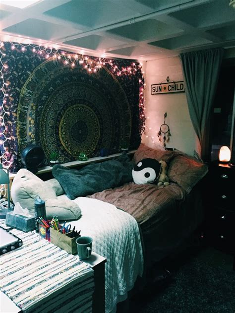 how to make your bedroom awesome 25 best ideas about grunge room on pinterest grunge bedroom hippie room decor and hippie dorm