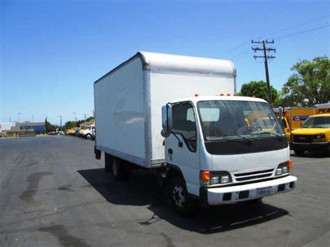 medium duty box trucks  sale  ca penske  trucks