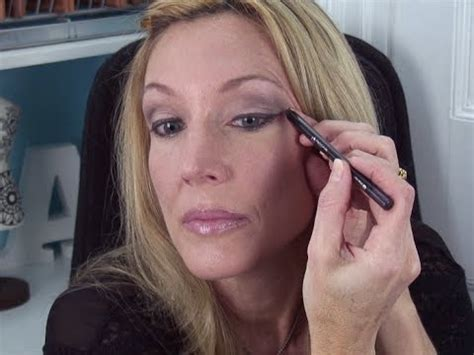 can older womem wear ombre lip how to wear colored eyeshadow over 50 make hooded eyes