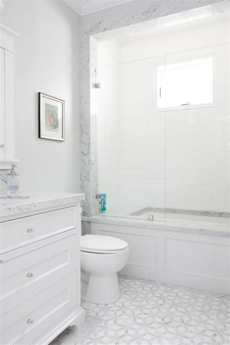 white bathroom floor tiles best 25 gray and white bathroom ideas on pinterest gray