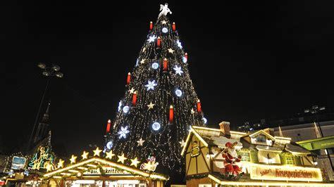 encienden el 225 rbol de navidad m 225 s grande del mundo video