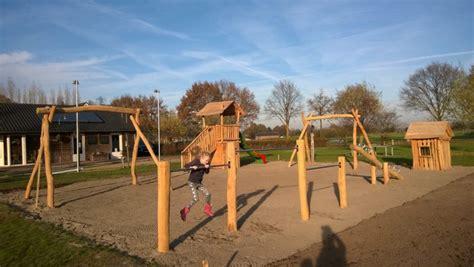buitenspeelgoed eco robinia speeltoestellen duurzame en natuurlijke