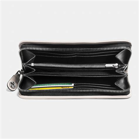 Dompet Coach Original Coach Accordion Zip Wallet Black Flower coach x peanuts accordion zip wallet in leather in black lyst