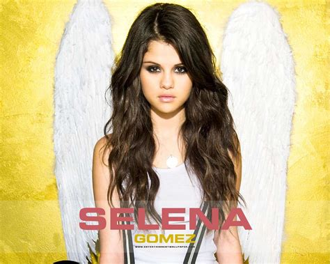 biography facts about selena gomez selena gomez biography and photos girls idols wallpapers