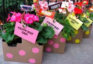 may day baskets things to make and do crafts and