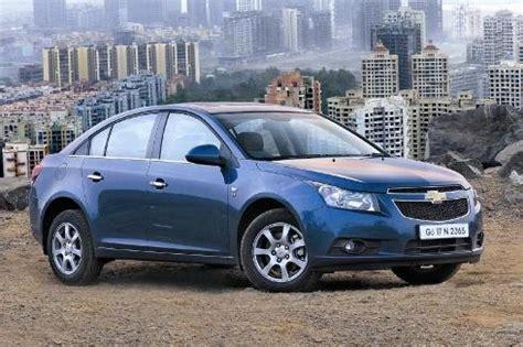chevrolet cruze facelift revealed autocar india chevrolet launches cruze auto autocar india