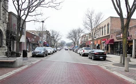 downtown naperville parking summit focuses on downtown naperville parking naperville sun