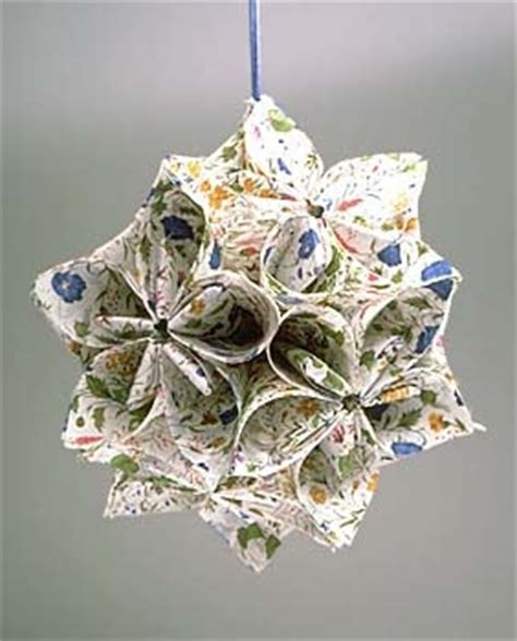 Folded Paper Ornament Pattern - 1000 images about quilted folded ornaments on