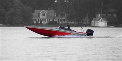 boat battery chargers information motor boat battery chargers