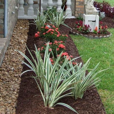 best mulch for flower beds best 25 rock border ideas on pinterest stone edging