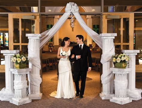 Wedding Column Decoration Ideas   Pillar Displays