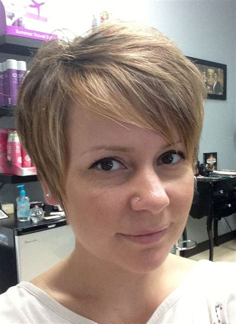 step by step guide for cutting a pixie haircut growing out a pixie cut a step by step guide