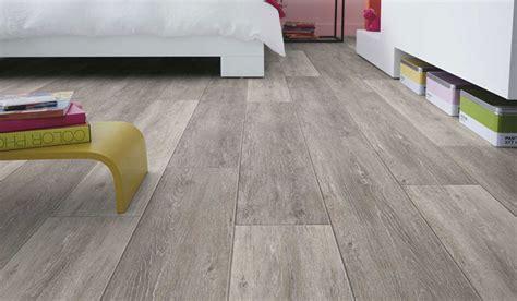 pavimento pvc adesivo opinioni come scegliere un pavimento in pvc per interni