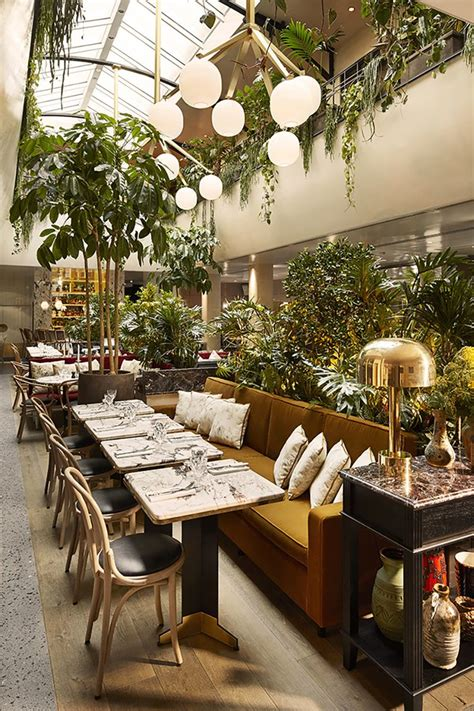 restaurants decor ideas best 20 restaurant interior design ideas on pinterest