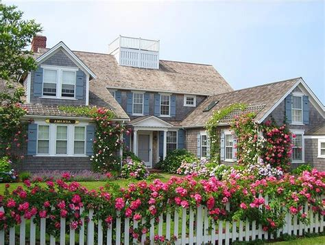 cottage in nantucket exterior front pinterest fence cottages and picket fences