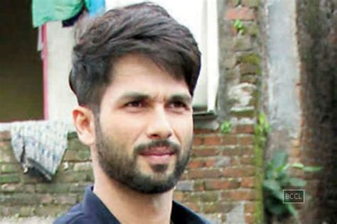 shahid kapoor latest hairstyle shahid kapoor latest hairstyle 2017 hair is our crown