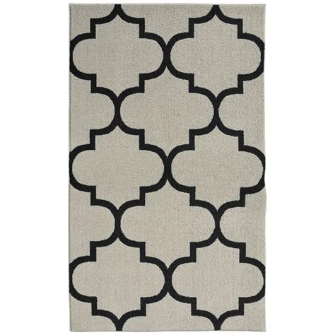 Quatrefoil Area Rug Garland Rug Large Quatrefoil Silver Black 5 Ft X 7 Ft Area Rug Ll240a060084f1 The Home Depot