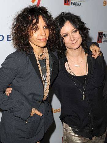 linda perry and joe perry related sara gilbert engaged to linda perry hollywood reporter