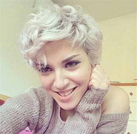 haircut for torso 20 lovely wavy curly pixie styles short hair popular