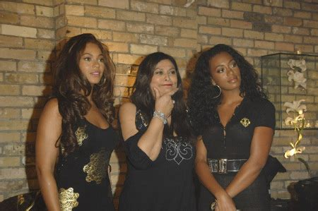 Beyonce Solange And Tina Launch The Dereon Juniors Line In Canada by Would You Wear Dereon Solange Knowles Fans Board