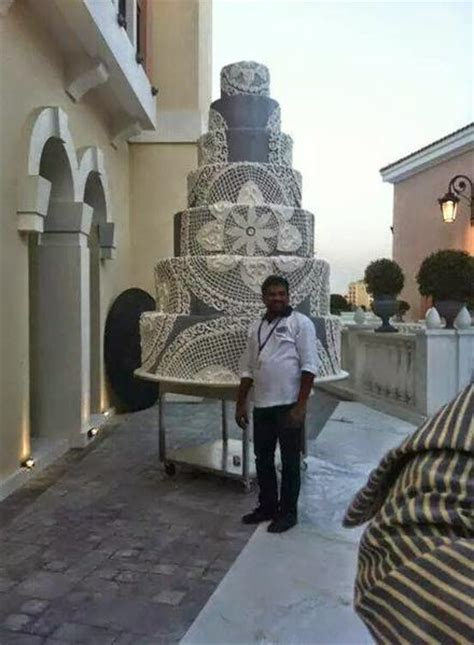 guinness book  world records largest wedding cake