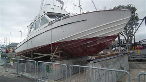 boat paint fibreglass should you paint a fibreglass boat leisure boating