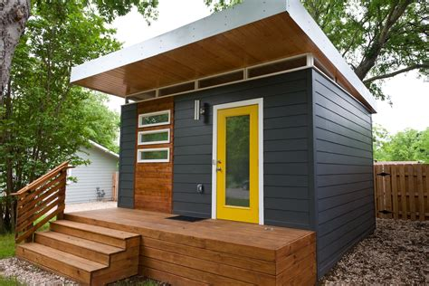 tiny house rental 9 tiny homes you can rent right now curbed