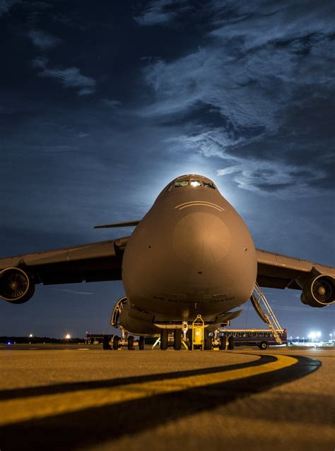 interesting facts about c 5 galaxy largest plane in air thechive thechive