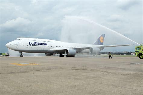 who flies 747 8 lufthansa flies boeing 747 8 intercontinental