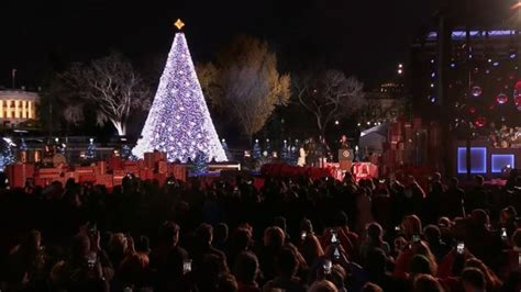 watch obama lights national christmas tree for final time