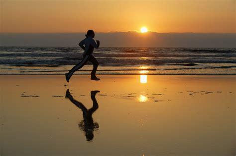run in the sun running in the sunset mindbeingfit