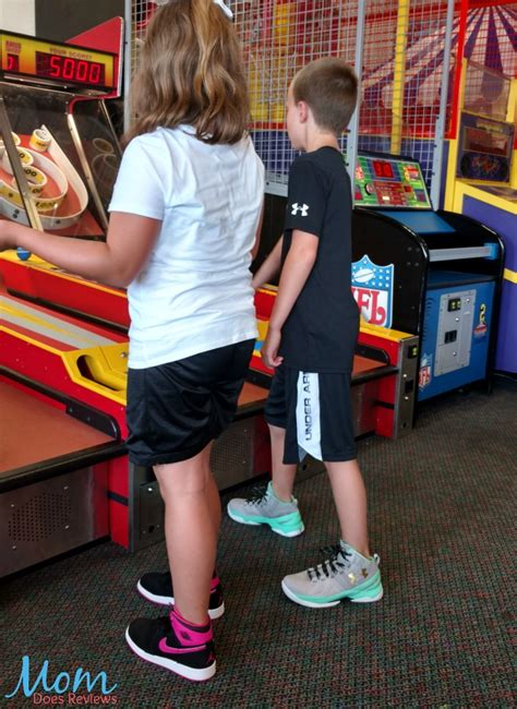 Does Footlocker Have Gift Cards - go back to school in style with kids foot locker review back2school16