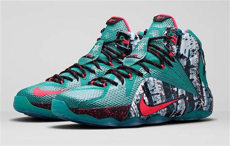 merry christmas   lebron  sole collector