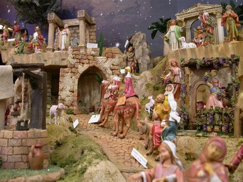 pictures of fontanini nativity displays galleries