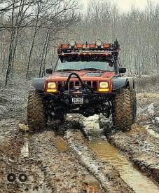 Jeep Xj Road Jeep Xj Ready For Battle With A Lift Kit Snow