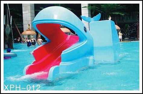Piring Anak Bentuk Ikan Paus taman air kolam ikan paus kartun bentuk slide anak anak