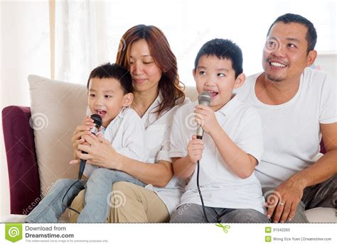 singing stock photos image 31342283