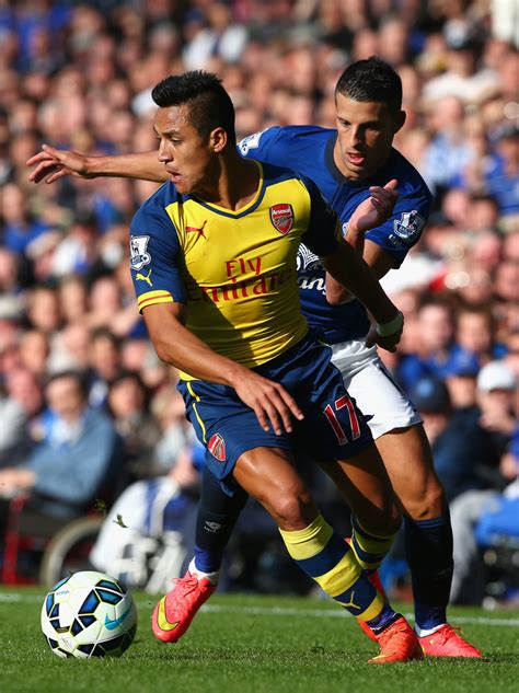 arsenal everton everton v arsenal zimbio