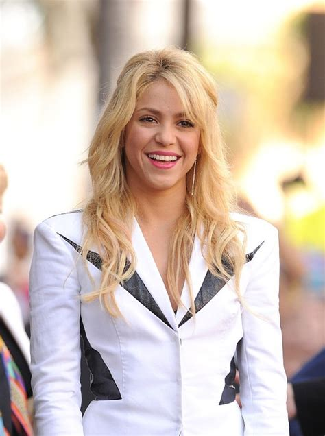 what products does shakira use on her hair image gallery shakira 2015 face