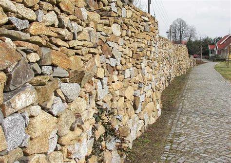 natursteinmauern bauen worauf es ankommt