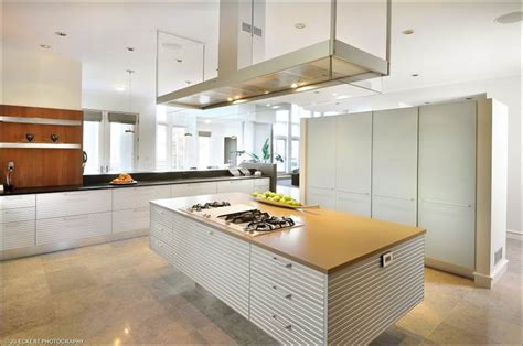 floating island kitchen michael jordan slashes price on chicago estate today com