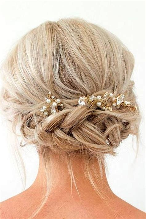 15 Ideas of Hairstyles For Short Hair For Graduation